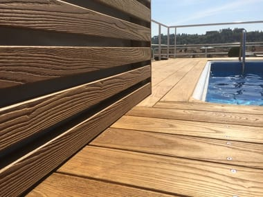 Pavimentazioni e rivestimenti in Frassino termotrattato Decking in frassino