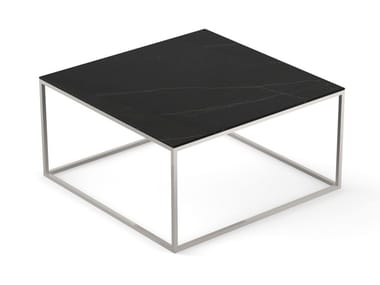 Low square garden side table AUXILIAR | Square coffee table