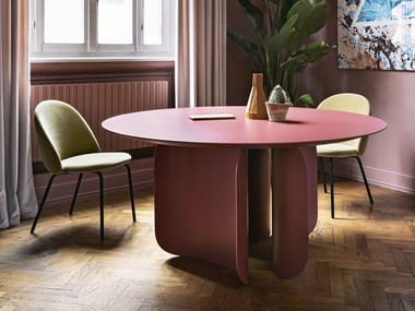 Lacquered round table BARRY | Round table