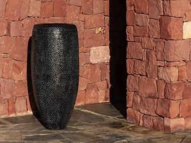 Vaso da giardino alto fatto a mano in terracotta BATUR | Vaso da giardino