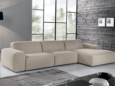 Divano in tessuto con chaise longue BAZAR | Divano in tessuto