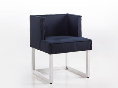Sedia a slitta in tessuto con braccioli BELAMI | Sedia in tessuto