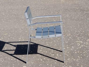 AG3 cast aluminium bench and extruded aluminium slats NEOROMÁNTICO LIVIANO | Bench with armrests