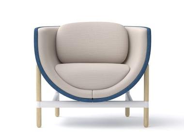 Sessel aus Stoff mit Armlehnen CAPSULE LOUNGE | Sessel