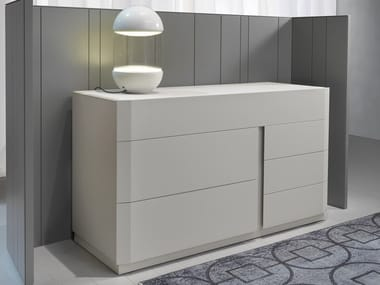 Solid wood chest of drawers with integrated handles SAMAR | Chest of drawers