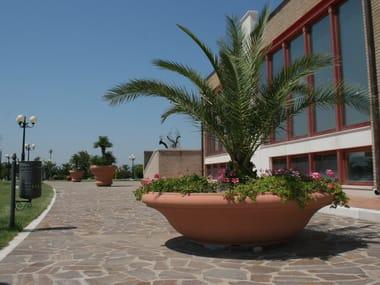 Fioriera per spazi pubblici bassa rotonda in pietra ricostruita CIOTOLA