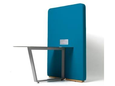 Scrivania ufficio con presa USB e pannello divisorio CIRCUIT MEDIA