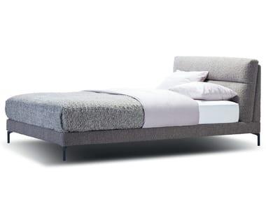 Bett aus Alpakafell mit Polsterkopfteil CLEO | Bett