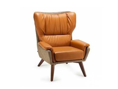 Leather armchair with armrests CLOSER | Armchair