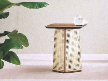 Tavolino quadrato in paglia di Vienna e legno COLONY | Tavolino