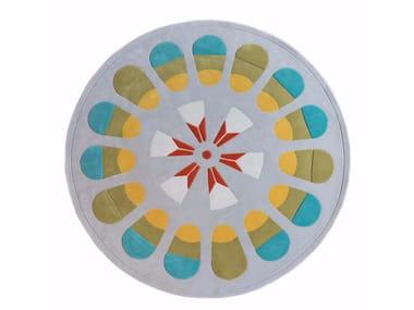 Patterned handmade wool rug COMMUNE