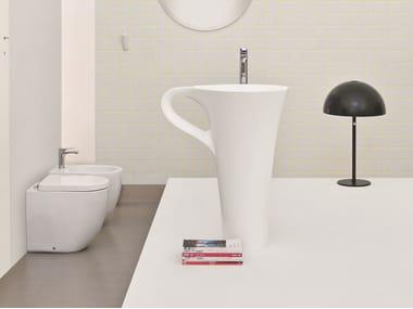 Lavabo sur pied en céramique avec porte-serviettes CUP   Lavabo sur pied