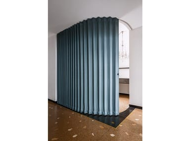 Cloison amovible coulissante en tissu Curved track door