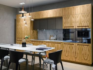 Linear kitchen in Ebano veneer and Bianco Carrara stone D90 | Ebony kitchen