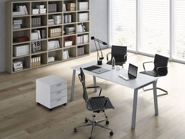 Rectangular office desk DELTA | Rectangular office desk