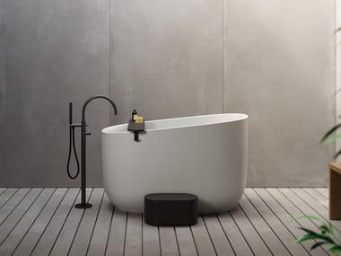 Freestanding seated oval Korakril™ bathtub DIP