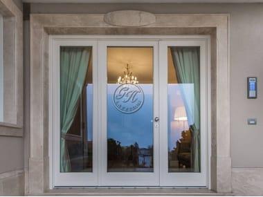 Porta-finestra a battente in legno e vetro Porta 13