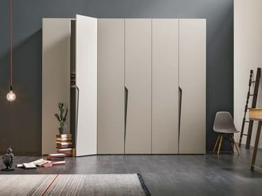 Sectional lacquered wardrobe DROP