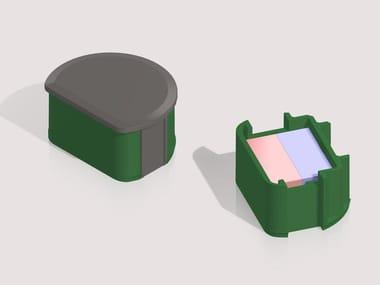 Magnetic closure DUB
