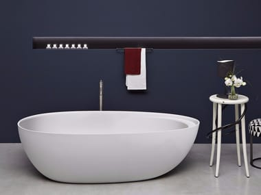 Freestanding oval Cristalplant® bathtub ECLIPSE | Bathtub