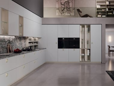 Cucina laccata lineare con maniglie EGO 02