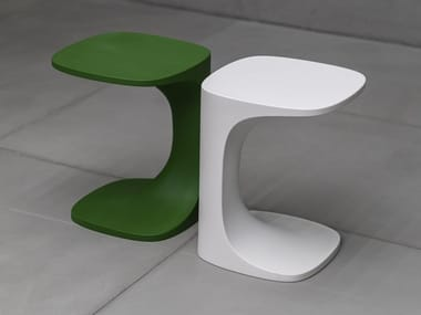 Square plastic coffee table FONT | Garden side table