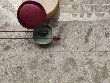 Pavimento/rivestimento in gres porcellanato effetto pietra FRAGMENTA FULL BODY GRIGIO LUMINOSO