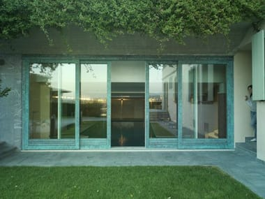 Porta-finestra alzante scorrevole in legno-bronzo ALU 90 BRONZE | Porta-finestra