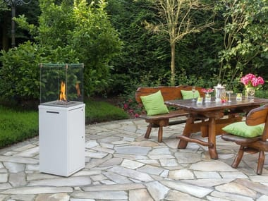 Gas outdoor fireplace with panoramic glass FUORA Q