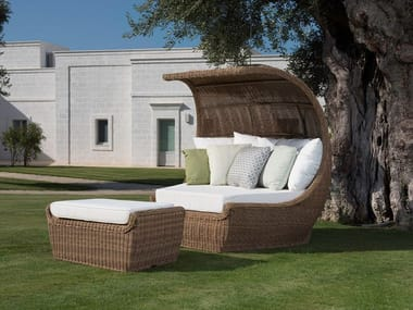 Igloo-shaped garden sofa CLOE | Garden sofa