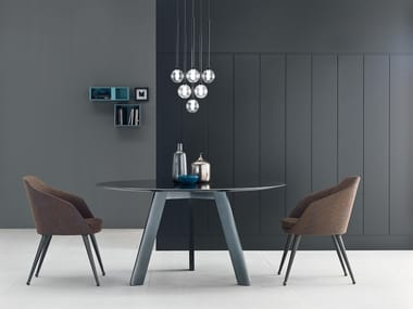 Round glass table HI-DECK