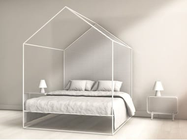 Canopy bed HOME