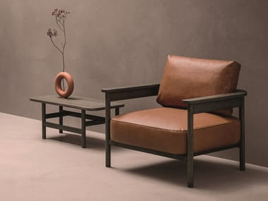 Leather armchair and structure with oak armrests HOOD | Armchair