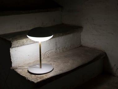 Lampada da tavolo a LED in PMMA HULA | Lampada da tavolo