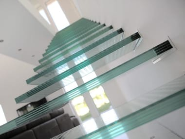 Glass cantilevered staircase iFRAME Glass stairs