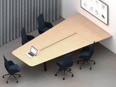 Tavolo da riunione modulare multimediale in legno con sistema passacavi IN-TENSIVE VISIO