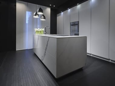 Kitchen with push to open doors with island KUBE | Kitchen