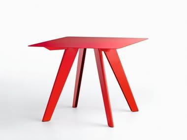 Square table L50 | Square table