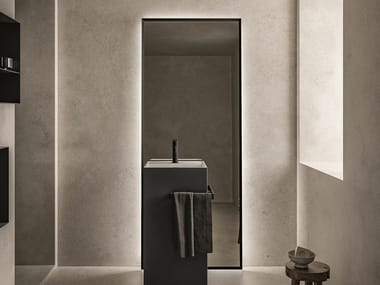 Freestanding bathroom mirror with integrated lighting LOFTY 2