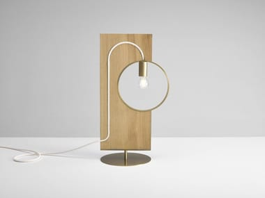 Lampada da tavolo a luce diretta in rovere LOOP | Lampada da tavolo in rovere