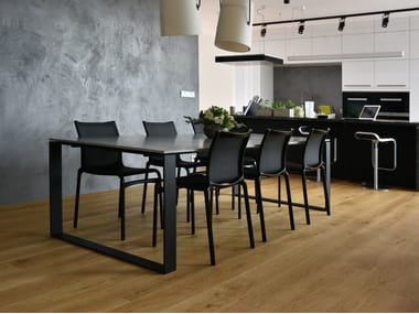 Concrete table LUCCA