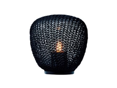 Lampe de table d'extérieur LED en polyéthylène MADAME CACHET | Lampe de table d'extérieur