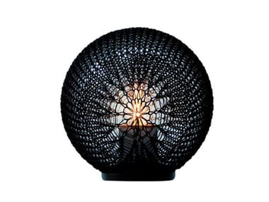 Lámpara de mesa para exteriores LED de polietileno MADAME LATOQUE | Lámpara de mesa para exteriores