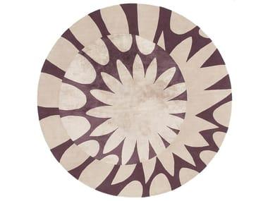Handmade custom rug MAGNIFY