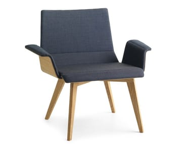 Fabric easy chair with armrests METRIA LAZY | Easy chair with armrests