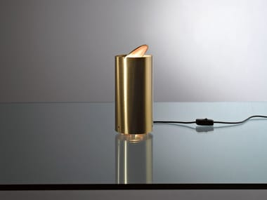 Lámpara de mesa de latón MF35 TUBO