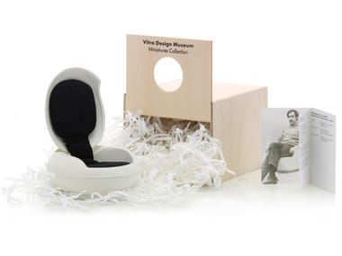 Plastic miniature MINIATURES GARDEN EGG