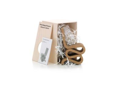 Cardboard miniature MINIATURES WIGGLE SIDE CHAIR