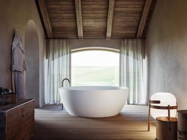 Vasca da bagno centro stanza in MineraLite MOMOA