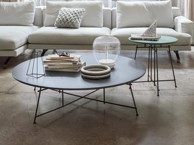 Lacquered oval wooden coffee table MR. ZHENG | Lacquered coffee table